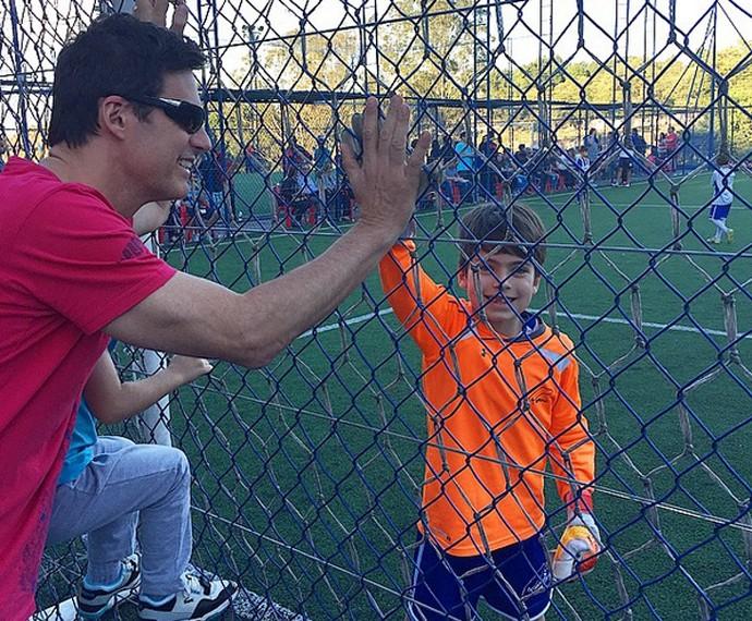 Carlos Casagrande é companheiro e curte os momentos com os filhos (Foto: Arquivo Pessoal)
