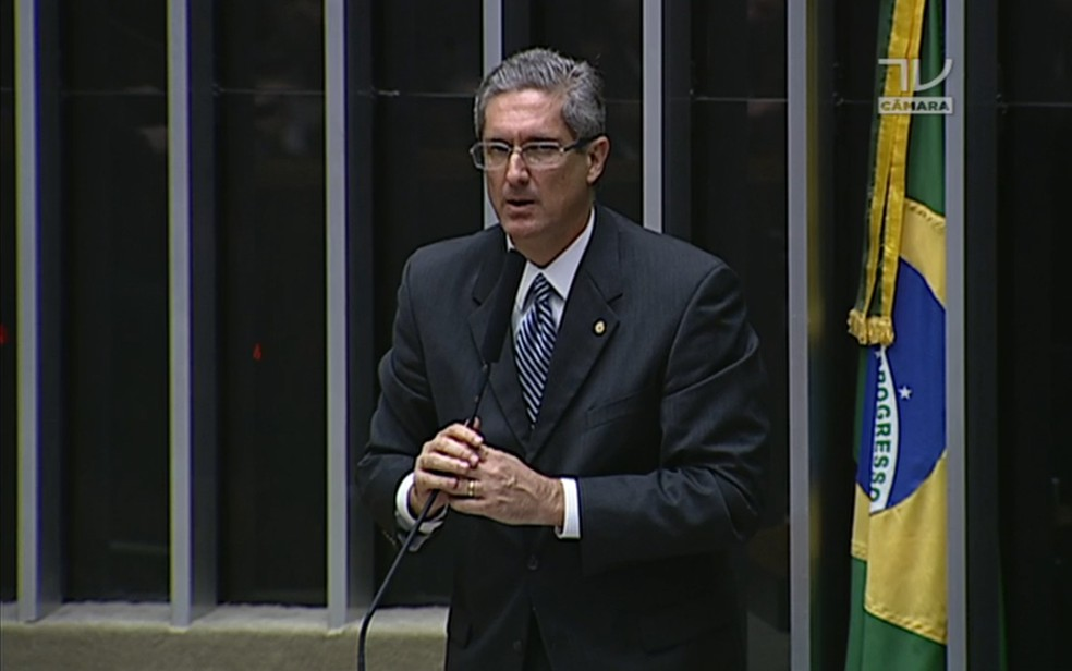 Rogério Rosso, líder do PSD, durante discurso na Câmara (Foto: Reprodução/TV Câmara)