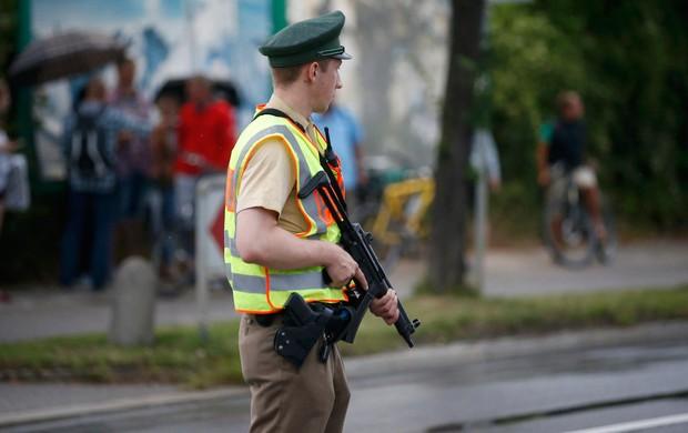 terror no shopping (Michael Dalder/Reuters)
