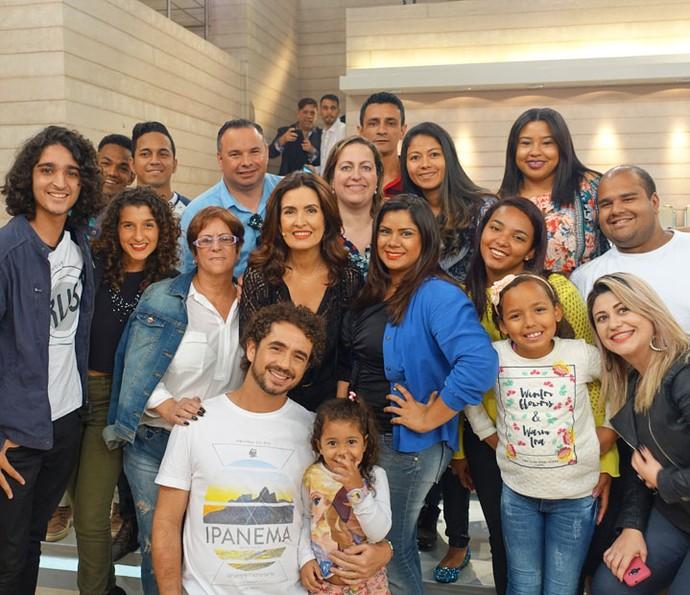 Fátima com mais uma parte da plateia do programa (Foto: Vinícius Cunha/Gshow)