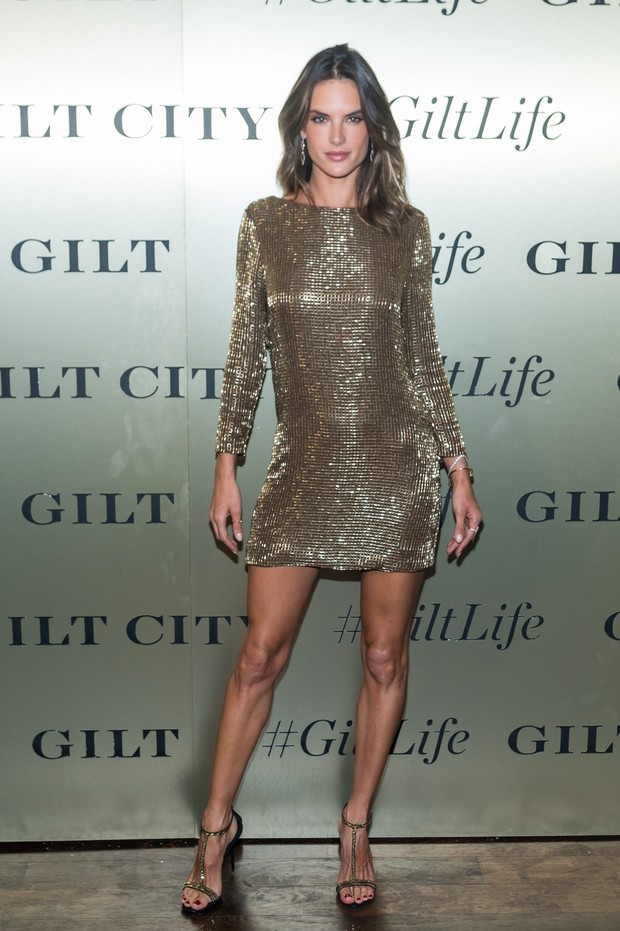 Alessandra Ambrósio em evento em Nova York, nos Estados Unidos (Foto: Mark Sagliocco/ Getty Images)