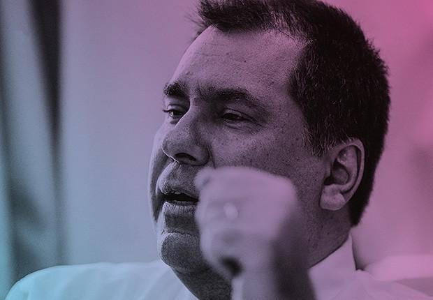 """Empresa;Oi;resiliência Marco Schroeder, presidente da Oi, tem se dedicado a resolver a tensão entre acionistas e credores – correndo o risco de perder o emprego ao final do processo. """"O importante é salvar a empresa""""  (Foto: Gustavo Miranda / Agência O Globo)"""