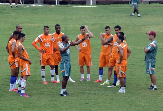Treino Fluminense - Cristóvão conversa com o grupo (Foto: Sofia Miranda)