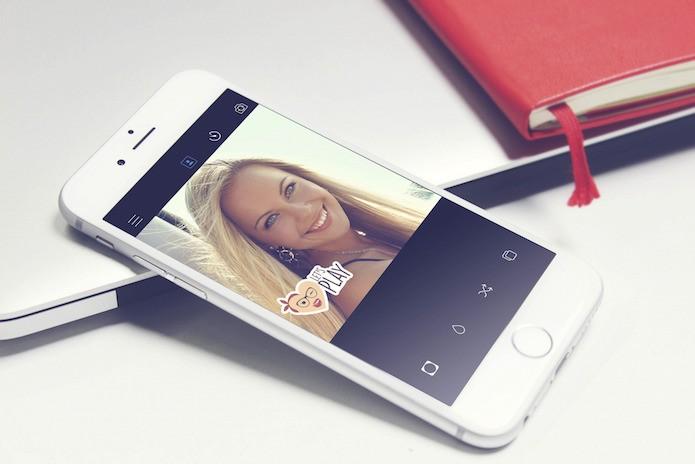 App BrightCam para iOS tira selfies sem precisar apertar nenhum botão (Foto: Divulgação/BrightCam)