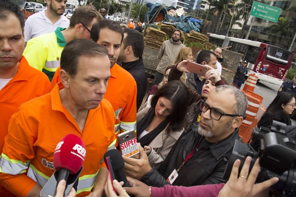 Doria concedeu entrevista após participar de operação de zeladoria na Zona Sul de SP neste sábado (Foto: Uriel Punk/Futura Press/Estadão Conteúdo)