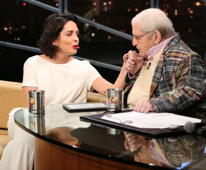 Jô Soares beija amão de Nadia Bochi durante a entrevista (Foto: Carol Caminha/Gshow)