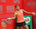 Com pneu, Teliana passa por cima de espanhola e vai à semifinal em Bogotá
