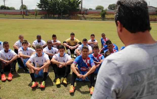 Ecus espera retomar trabalho de sucesso na base (Foto: Thiago Fidelix / Globoesporte.com)