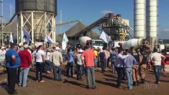 Agricultores invadem canteiro de obras da Usina de Baixo Iguaçu, no PR