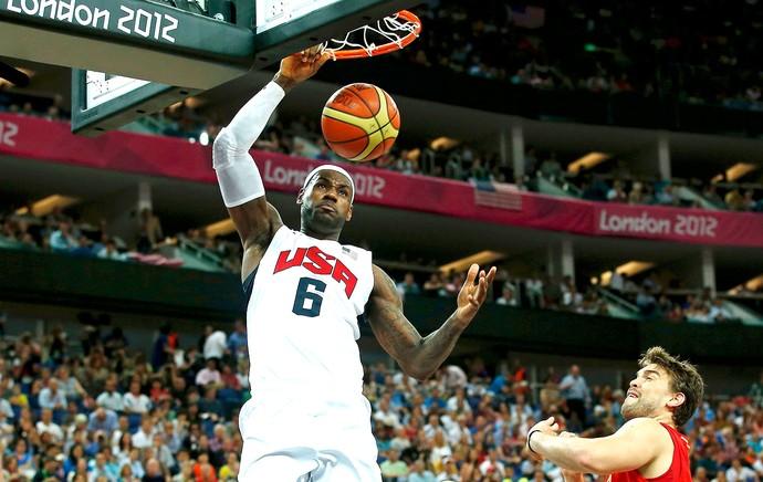 LeBron James na final do basquete entre Estados Unidos e Espanha (Foto: Reuters)
