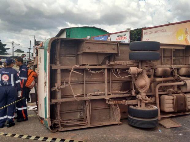acidente ônibus (Foto: Antônio Bastos/O Liberal)