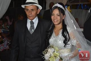 Roberto Cardoso e Stefhany Absoluta posam após casório (Foto: Divulgação/Sergio Alves Portal V1)