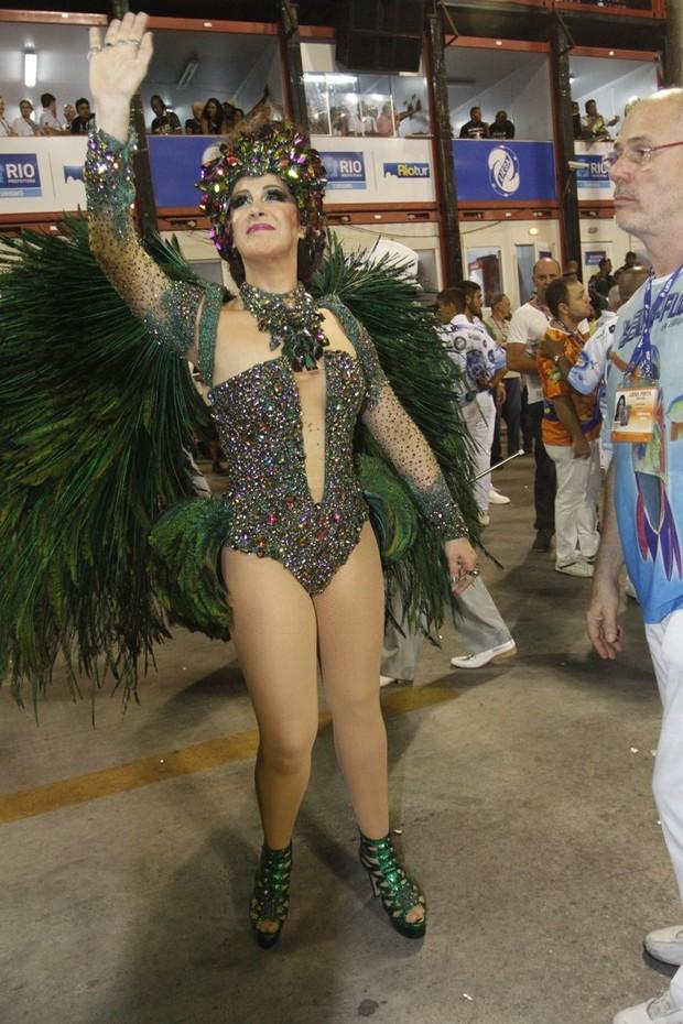 Cláudia Raia desfilando pela Beija Flor (Foto: Thyago Andrade/ Foto Rio News)