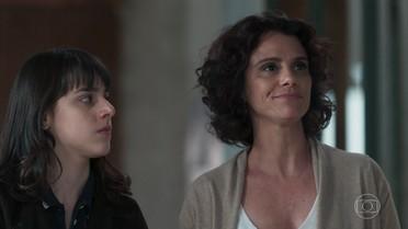 Lica enfrenta Edgar e Marta apoia a filha