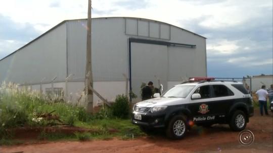Polícia faz buscas em imóveis de servidora suspeita de desviar milhões