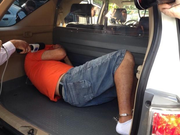 Padrasto foi preso em casa no mesmo bairro onde vivia com a enteada e a esposa em Araraquara (Foto: Felipe Turioni/G1)