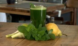 Confira receita de suco verde (Foto: Reprodução/RBS TV)