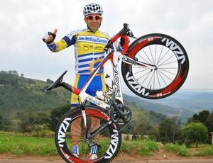 Daniel Rogelin vence batalha contra câncer e volta a competir nas pistas (Divulgação)