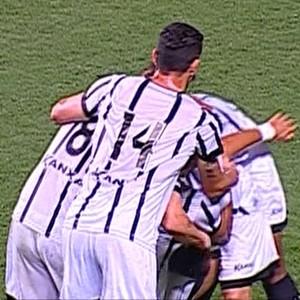 Jobinho comemora gol do Bragantino (Foto: Reprodução/ Premiere)