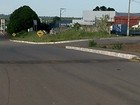 Motociclista sofre acidente em lombada (Reprodução/TV Anhanguera)