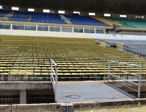Estádio Albertão - Jogo Flamengo-PI e Santos (Foto: Josiel Martins)