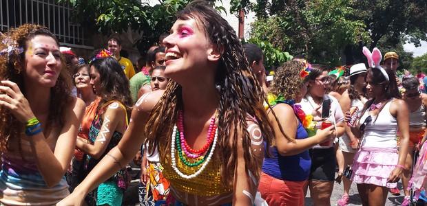 Blocos de rua marcam carnaval de 2015 em BH e arrastam multidões (Tábata Poline / G1)