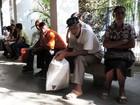 Segurados buscam INSS no Recife, mas encontram agências fechadas