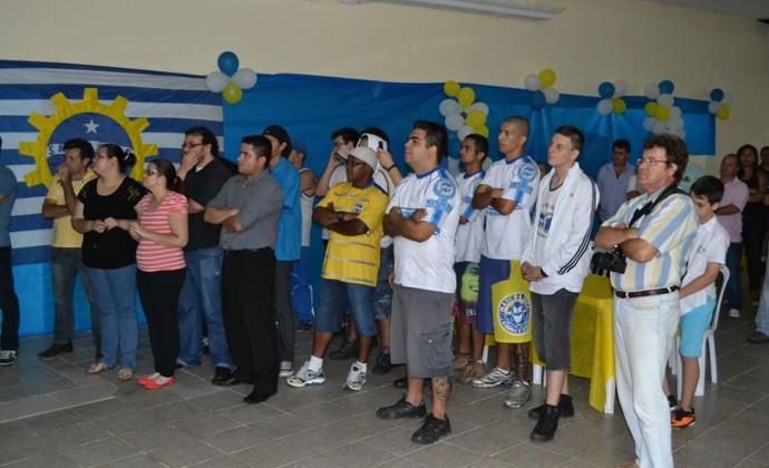 Torcida apresentação uniformes São José futebol (Foto: Filipe Rodrigues)