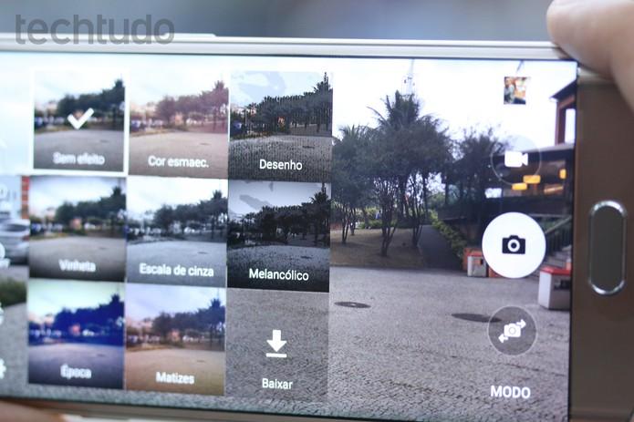 A câmera do Galaxy S6 permite baixar mais efeitos dentro do próprio app (Foto: Lucas Mendes/TechTudo)