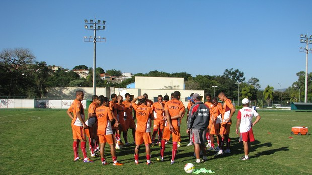 Noroeste - treino (Foto: Rafaela Gonçalves / GLOBOESPORTE.COM)