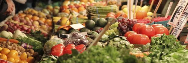 Alimentos orgânicos são menos expostos a pesticidas e outros químicos, o que não quer dizer que tenham mais nutrientes que os não-orgânicos (Foto: Think Stock)