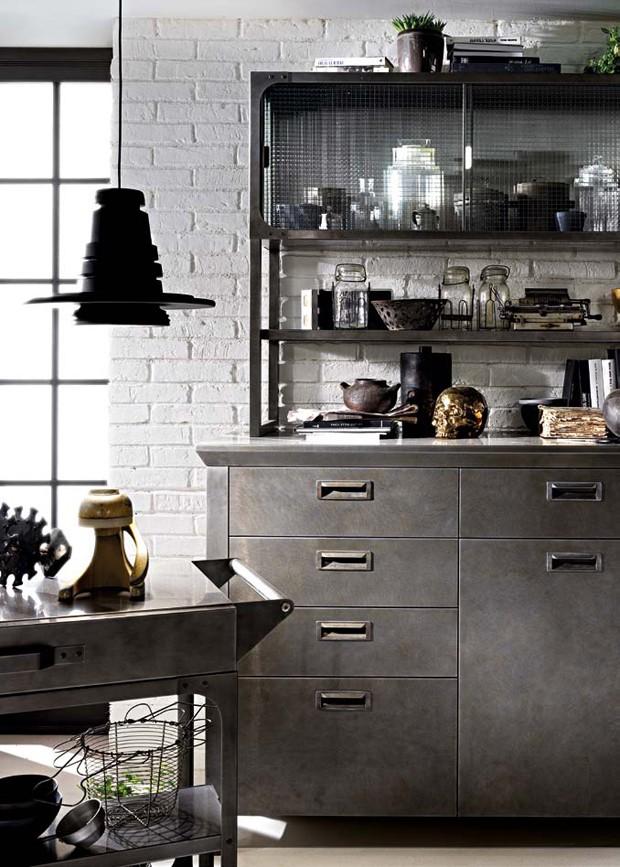 Décor do dia: metal brilha na cozinha