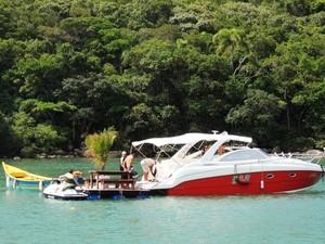 Festas ocorrem dentro das embarcações em SC (Foto: Géssica Valentini/G1)