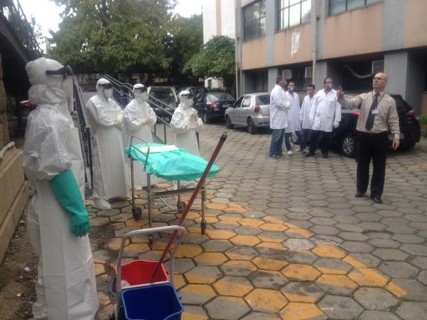 Médicos na Fiocruz (Foto: Guilherme Brito / G1)