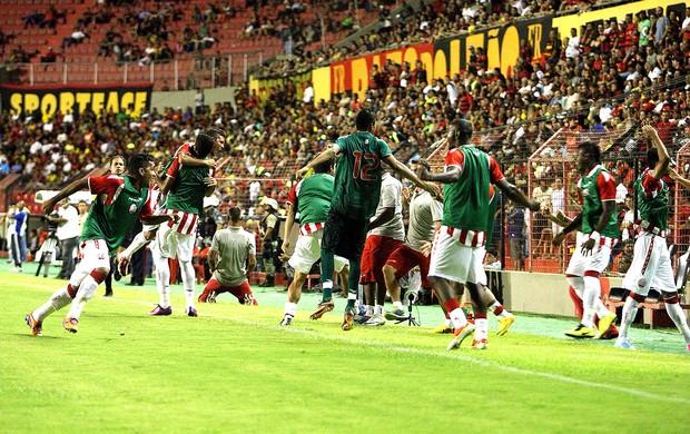 Náutico comemoração gol sobre o Sport (Foto: Matheus Britto / Futura Press)