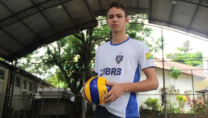 Marcos Santana jogador de vôlei infanto-juvenil acre (Foto: João Paulo Maia)