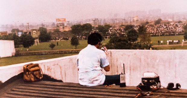 Em cima do lance O técnico Telê Santana proibiu a imprensa de acompanhar um jogo-treino na Copa de 86. Silvério alugou uma casa e, do telhado, narrou a partida (Foto: Reprodução)