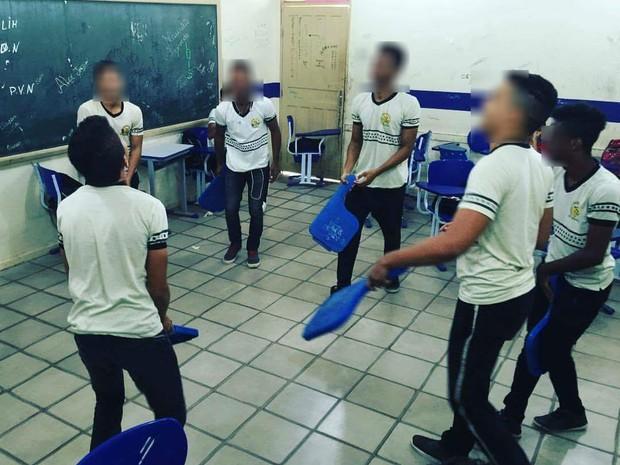 Alunos brincam em escola (Foto: Arquivo pessoal)