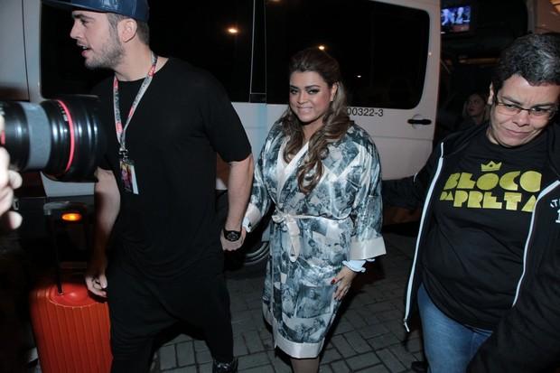 Preta Gil chega com o noivo para show no Rio (Foto: Marcello Sá Barreto/AG News)