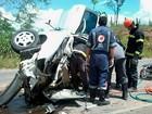 Condutor sobrevive após bater em 2 carros, um caminhão e capotar na BA