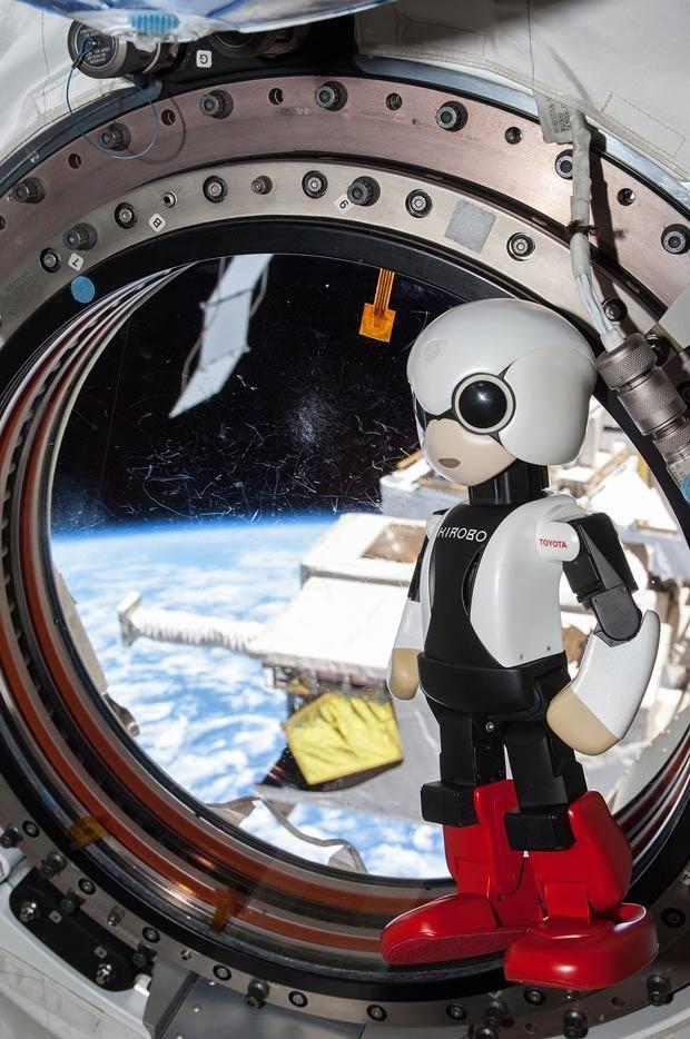 Pesquisa quer avaliar se robôs podem dar apoio moral a tripulantes. (Foto: AFP Photo)