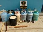 Presos guardam 130 litros de cachaça em garrafões de água e baldes, em PE
