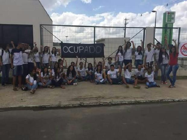 Campus do Ifal em Murici foi ocupado na manhã desta segunda-feira (24) (Foto: Divulgação/Ubes-AL)