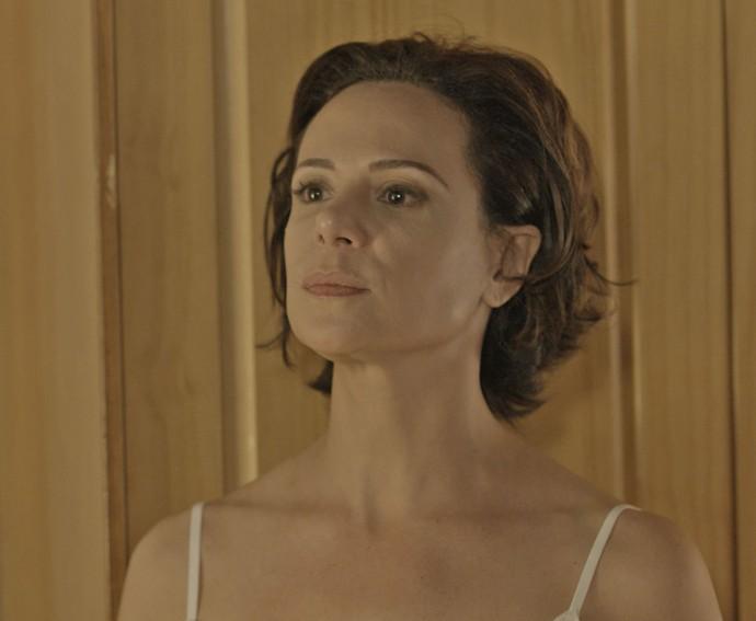Ana fica sem paciência para as provocações do marido (Foto: TV Globo)