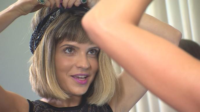 Paula Magalhães mostra looks com bandanas (Foto: TV Bahia)