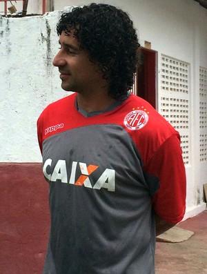Clébson - meia do América-RN (Foto: Alexandre Filho/GloboEsporte.com)