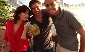 Giovanna Antonelli, Ricardo Pereira e Raoni Carneiro gravam cena no Mirante do Leblon