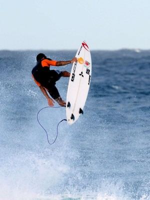 treino surfe Gabriel Medina off the wall (Foto: Pedro Gomes Photography)