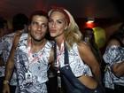 Bruno Gagliasso e Giovanna Ewbank assistem a desfiles na Sapucaí