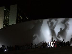 Em junho, manifestantes subiram no teto no Congresso em protesto (Foto: Fábio Rodrigues Pozzebom/ABr)